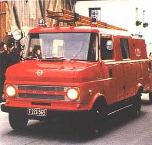 """12. Juni 1967 Neues Löschfahrzeug """"Opel Blitz"""" eingetroffen"""