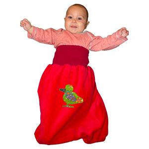 baby-schlafsack rot mit grüner ente