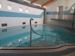 und das Schwimmbad!