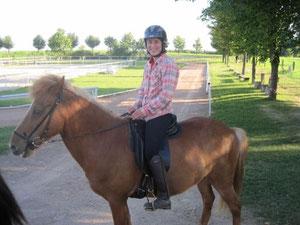 heute dabei: Katrin Bächtold aus der Schweiz, mit einem Leihpferd von Zweinig!