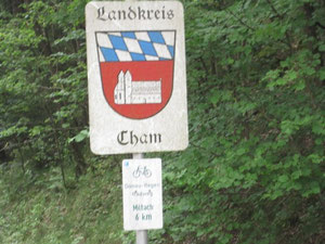 wir kommen aus dem Landkreis Straubing-Bogen in den Landkreis Cham...