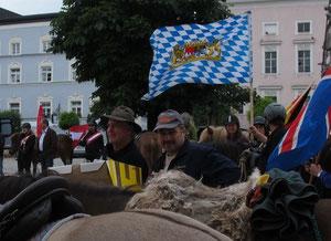 Franz Meier, unser Trossfahrer und Franz Mayer, der Chef der Pferdefreunde Fridolfing