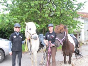 Mitreiterinnen nur für einen Tag: Monika mit Valtur frá Enni und Beate mit Hákon von Burg