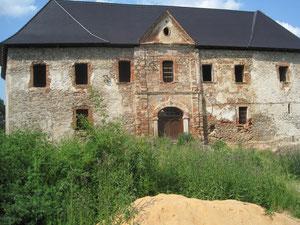 Pause bei einer alten Schlossruine