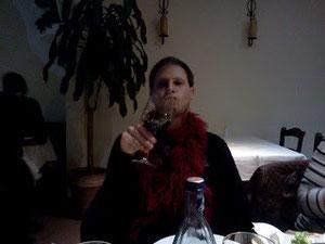 CMO mit Weinglas