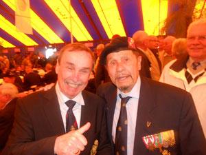 Met Dick Dooms,achter, met brede Glimlach, Lou Kierkels....
