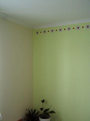 Schlafzimmer mit Schablonenmalerei