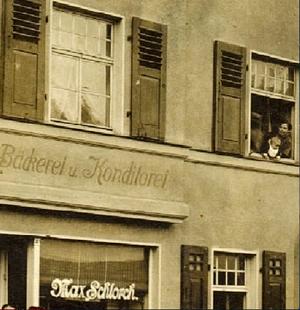 Bäckerei Max Schlorch - Jüdische Familie, zugezogen aus Obbach, in der Theresienstraße 24 - wurde im April 1942 in einem KZ ermordet