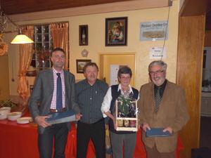 25 Jahre Mitgliedschaft für stephan Beer ganz links und Hans Graf ganz rechts;in der Mitte Vorsitzender Thomas Kraus und Schatzmeisterin Ute Maier