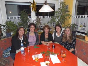 Die Mädchenecke von links Sigrid, Martina, Anna, Jutta und Nina