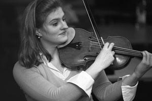 Julia-Maria Kretz, Violinistin