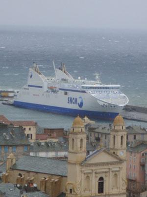 Le Pascal Paoli lors d'une tempête  Bastia