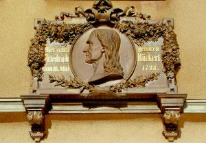 Am Geburtshaus des Friedrich Rückerts in Schweinfurt