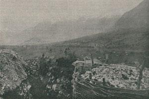 Blick aus der Verteidigungsstellung am Ravelnik auf Bovec. Julisch-Karnische-Kriegszeitung Mai 1916.