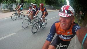Après la course, retour en vélo ( à l'hôtel, pas à Bagnols !! )