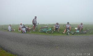 Au sommet d'Arnosteguy on est dans le brouillard... Dommage !