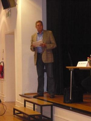 DGB Regionsvorsitzender Willi Brase (MdB) sprach ein Grußwort