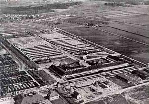 """Konzentrationslager Dachau - Flick besuchte mit Heinrich Himmler Dachau und berichtete 1947 von einem """"anständigen Eindruck"""""""