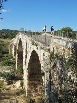 http://en.wikipedia.org/wiki/File:Pont_Julien,_Provence.jpg