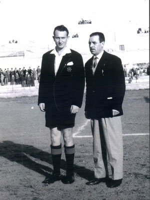 Ernesto Figuccia in divisa anni 60 insieme al primo Presidente della sezione di Marsala, Giacomo Filardo.