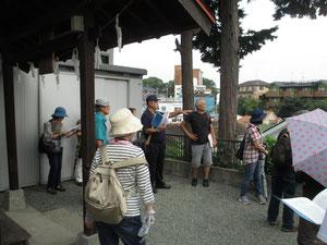 諏訪神社から北方村を望む