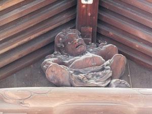 西叶神社・力士像