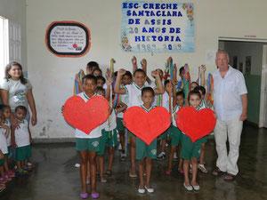 """Begrüßung in der Kindertagesstätte """"Creche Santa Clara"""" in Itaporanga/PB"""