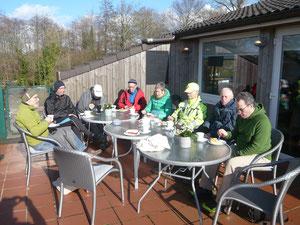 Die SanaKuKa beim ZSK bei Kaffeeund Kuchen mit Meerblick.