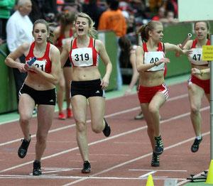 LAZ-Sprinterin Nicole Pollmann (319) möchte mit ihren Vereinskolleginnen das Staffel-Ticket nach Sindelfingen lösen.