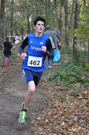 Janek Betting lief ein beeindruckendes Rennen über 2,5 km der U18.