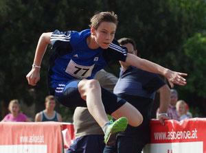 Benjamin Bruné, einer der vielseitigsten Athleten des LAZ, benötigte 13,40 Sekunden für die 80-m-Hürdendistanz.