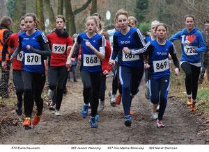 Laufen an vorderster Front: Elena Neumann (870), Jasmin Wenning (868), Kim-Melina Brokamo (867) und Meret Steinzen (869)