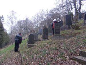 Auf dem jüdischen Friedhof Flehingen