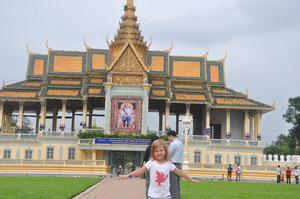 Nouchine zeigt den Königspalast