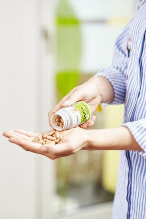 reine Haut Frau Skin+ Haut Vitamine bei Pickel Akne Mitesser Vreen Skin+