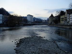 Reuss richtung St.Karli-Brücke
