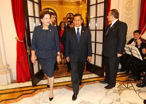 左はブラジルのルセフ大統領