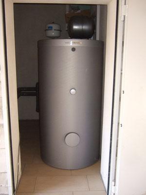 Warmwasser-Speicher
