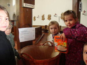Kindergartenkinder erklären Sozialkirche (April 2012)