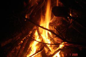 Das Alte dem Feuer der Wandlung übergeben