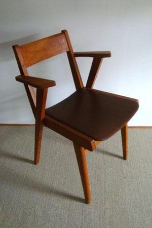 chaise accoudoirs et skaï années 60