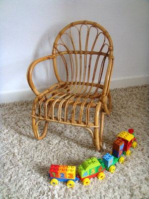 rocking chair enfant rotin vintage muros design et. Black Bedroom Furniture Sets. Home Design Ideas