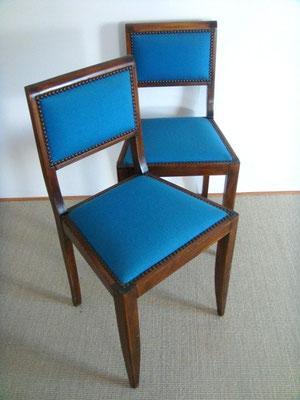 paire de chaises bois et tissus bleu canard vintage