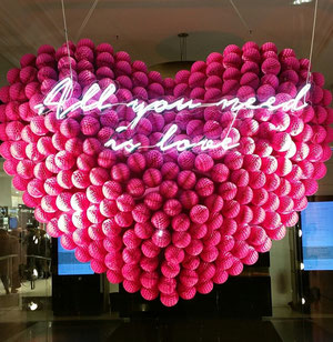 Valentine's Day is payday for cargo airlines  -  photo: hs