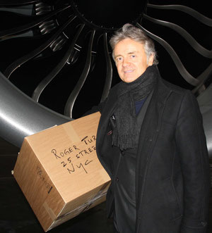 In pressing cases QCS CEO Stephan Haltmayer jumps in as on-board courier to deliver urgent shipments in time  -  photo: hs