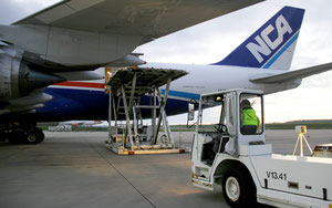 Loading of NCA operated Boeing 747-8F at Frankfurt-Hahn airport  /  source: HHN