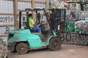 Every single day around 10 tons of plastic and bottles are generated at Rapa Nui  -  pictures LAN Cargo