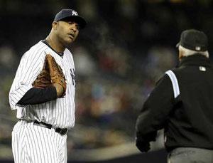 E' il 12 Aprile, 2013 allo Yankee Stadium dove si sta giocando Yankees - Orioles. L'arbitro di base chiama un Balk! a Sabathia che costerà il punto del pareggio di Baltimore 2-2