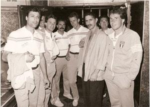 La Nazionale alle Olimpiadi del 1984 - Da Sin. Carelli, Colabello, D'Amato, Romano, Ceccaroli, F.Zappa, (Mass. Carlo), Mari (Foto tratta dal sito di Beppe Carelli)