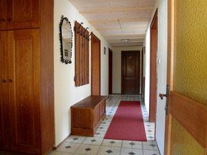 Ferienwohnungen KONRAD, Nr. 3 Hohe Salve: Hausgang